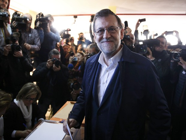 Mariano Rajoy, candidato pelo PP, comemora resultado em Madri.  (Foto: Marcelo del Pozo/Reuters)