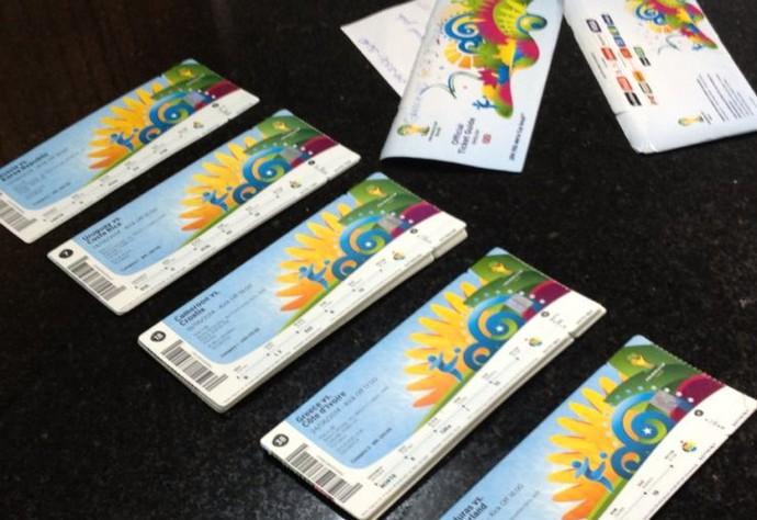 Senegalês tentava vender ingressos da Copa do Mundo (Foto: Caio Vasques/ RPCTV)