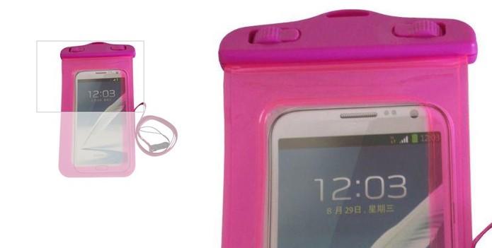 87f7a7600e1 Capa em formato de bolsa tem vedação para smartphones (Foto:  Divulgação/Marecki)
