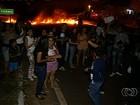 Estudantes protestam e bloqueiam a BR-060 por três horas, em Goiás