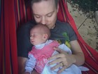 Thais Fersoza mostra foto fofa da pequena Melinda cheia de soninho