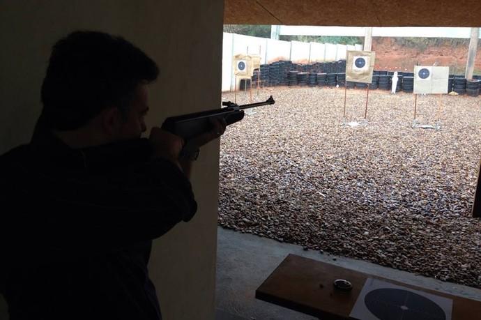 pistola e revólver a 25 metros e carabina .22 e .38 a 25 metros (Foto: Clube de Tiro de Dracena / Arquivo pessoal)