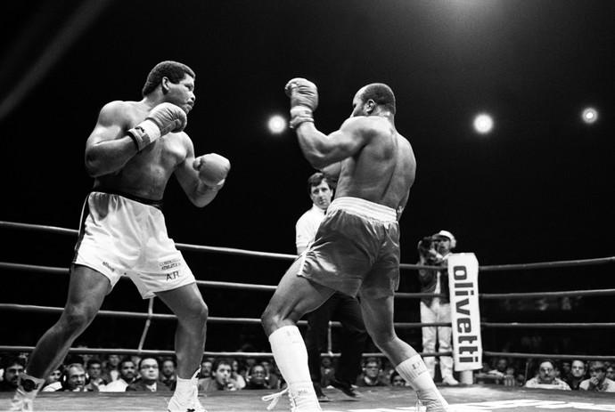 Boxe Maguila e James quebra ossos smith 1987 (Foto: Domicio Pinheiro / Agência Estado)