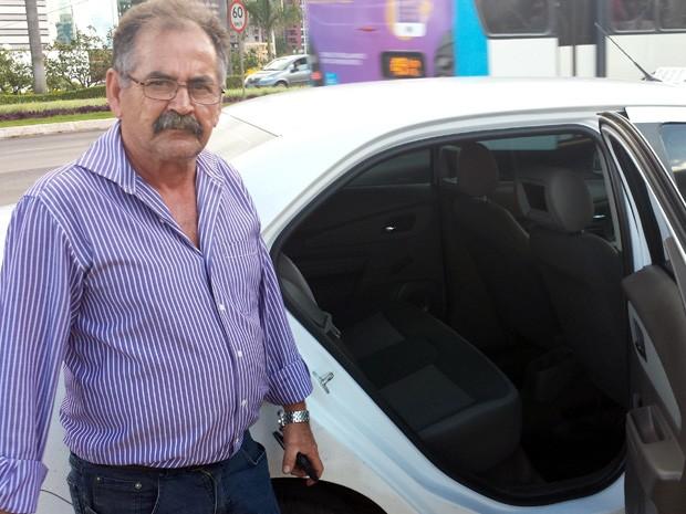 Maurício Quirino, taxista que encontrou 2 mil dólares em mala e devolveu ao dono (Foto: Isabella Formiga/G1)