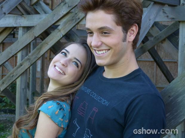 Os dois já passaram por problemas com namoro à distância (Foto: Malhação / TV Globo)