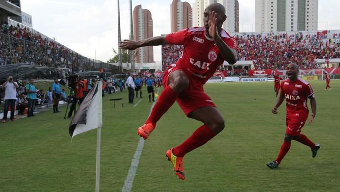 Flávio Boaventura América-RN comemora gol título (Foto: Fabiano de Oliveira)