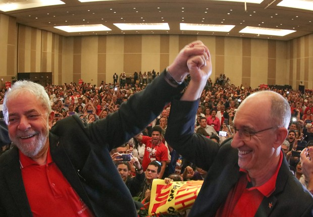 O ex-presidente Luiz Inácio Lula da Silva e Rui Falcão participam da abertura do 6º Congresso do PT em Brasilia  (Foto: Ricardo Stuckert)