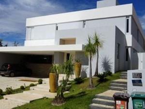 Casa que pertenceu a Marconi Perillo, em Goiânia (Foto: Reprodução/TV Anhanguera)