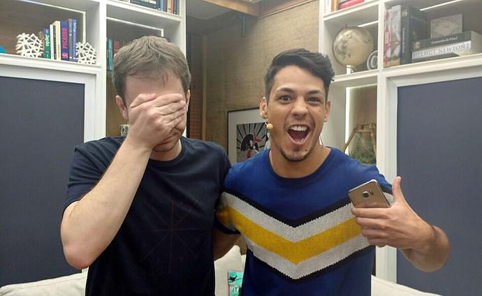 """Tiago Leifert """"aprendeu"""" a dançar com Diegho San, campeão mundial de Just Dance (Foto: Raquel Gonzalez/Gshow)"""