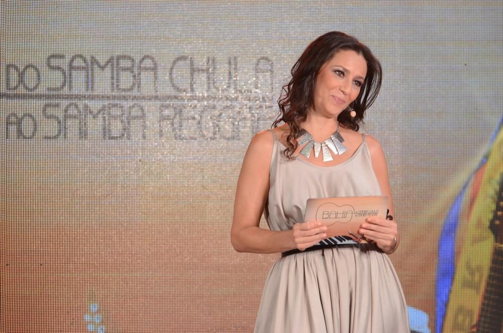 O programa é apresentado pela atriz Cyria Coentro  (Foto: Div./Eli Cruz)