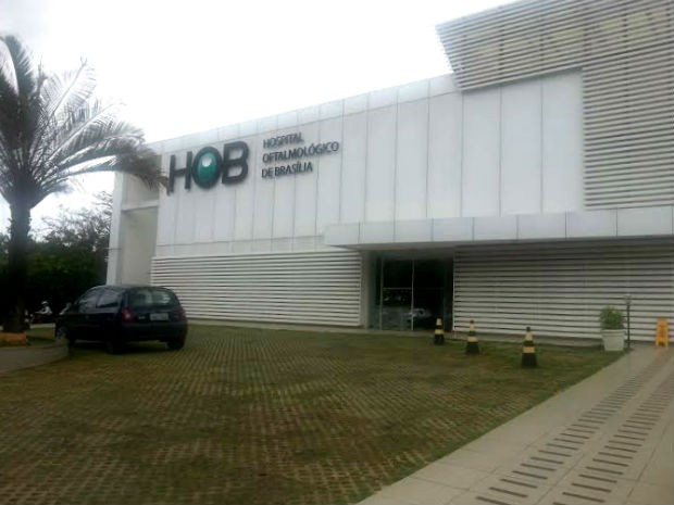 Fachada do Hospital Oftalmológico de Brasília, na Asa Sul, que vai doar o tratamento ao adolescente (Foto: Raquel Morais/G1)