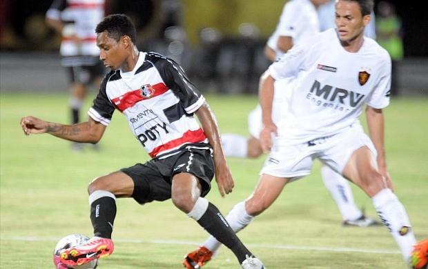 Santa Cruz x Sport - Diogo (Foto: Aldo Carneiro)