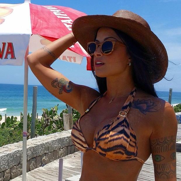 3fd71195faa2b EGO - Aline Riscado publica foto de biquíni em dia de praia ...