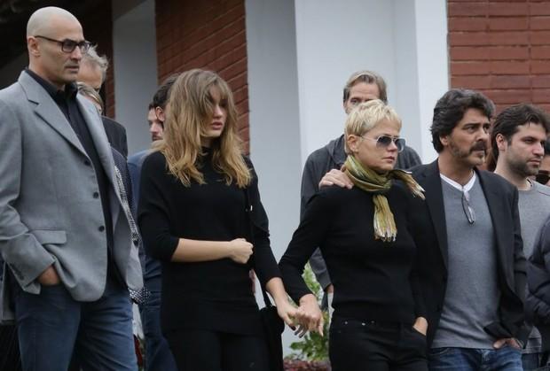 Luciano Szafir, Sasha, Xuxa e Junno no velório de Cirano Rojabaglia (Foto: Delson Silva / Agnews)