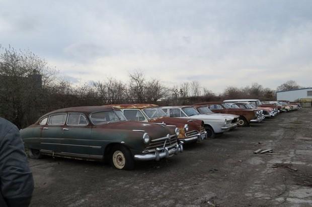 Coleção com mais de 700 carros vintage é leiloada nos EUA (Foto: Divulgação)