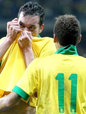 Réver gol Brasil amistoso Chile (Foto: AP)