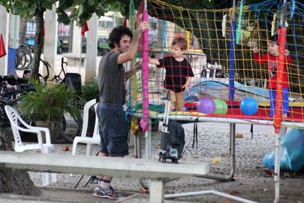 Eriberto Leão e o filho (Foto: JC Pereira/ Foto Rio News)