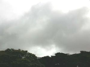 Clima nublado Uberlândia Triângulo Mineiro (Foto: Caroline Aleixo/G1)