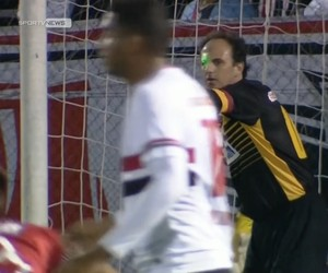Rogério Ceni laser São Paulo Danubio Libertadores (Foto: Reprodução SporTV)