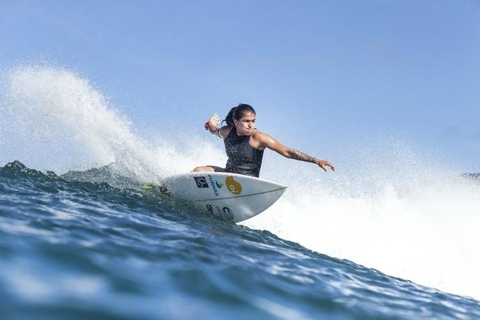 Silvana Lima durante treino em Maui, na última etapa do circuito mundial (Foto: Divulgação / WSL)