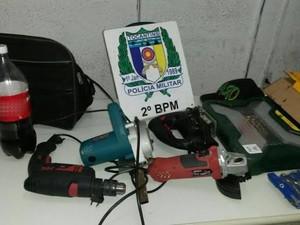 Objetos roubados apreendidos com menores em Araguaína (Foto: Divulgação/PM-TO)