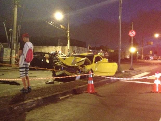 Camaro amarelo ficou destruído após acidente (Foto: Marcelo Jesus/Arquivo Pessoal)