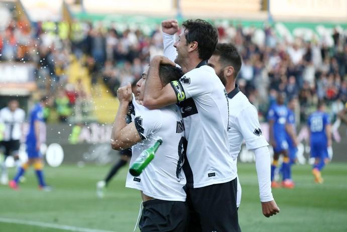 Mauri comemora gol do Parma contra o Juventus (Foto: EFE/SERENA CAMPANINI)