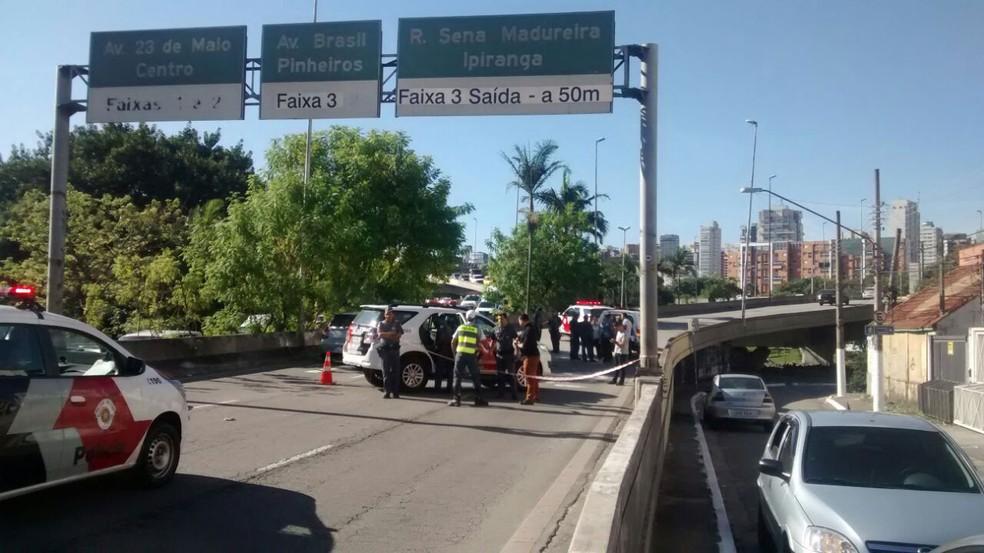 Policial morreu a caminho da Corregedoria, onde prestaria esclarecimentos sobre suspeita de concussão (Foto: Vitor Sorano/G1)