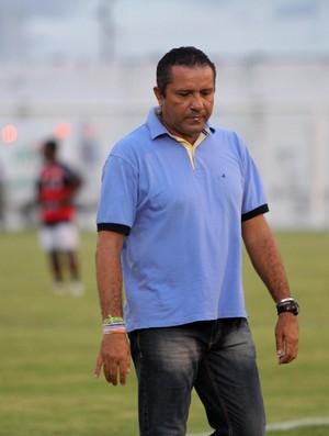 Suélio Lacerda, técnico do Sousa (Foto: Leonardo Silva / Jornal da Paraíba)