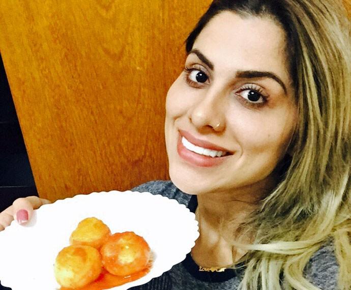 Vanessa e uma de suas receitas vegetarianas preferidas (Foto: Arquivo Pessoal)