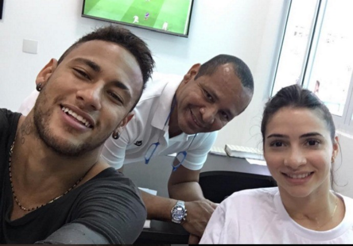 Neymar  Laís Souza