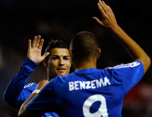 Benzema e Cristiano Ronaldo gol Real Madrid (Foto: Reuters)