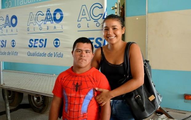 Damares Gomes levou o tio com síndrome de down, Moisés de Souza para o Ação Global (Foto: Angelina Ayres Medeiros/Rede Amazônica)