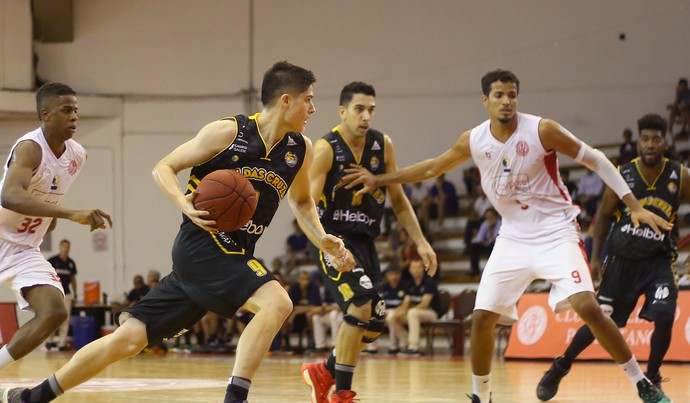 Paulistano x Mogi das Cruzes NBB basquete (Foto: Antonio Penedo/Mogi-Helbor)