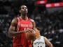 Nenê manda bem, mas Rockets não resistem e caem para Spurs no Texas