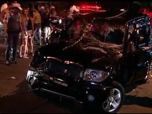 Carro atropela (GloboNews)  (Foto: Reprodução GloboNews)