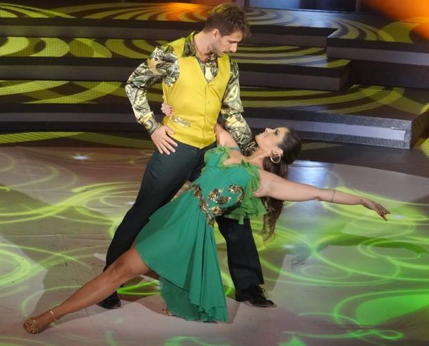 Julio Rocha e Carol Vieira (Foto: Domingão do Faustão / TV Globo)