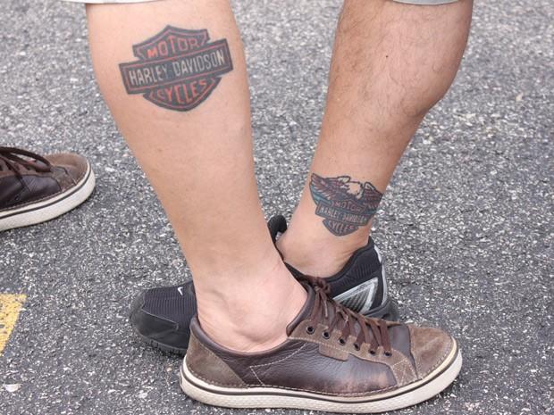 Amigos que fizeram tatuagem da Harley-Davidson (Foto: Rafael Miotto/G1)