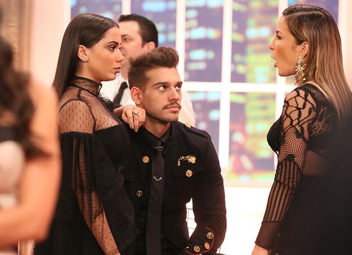 Trio musical: Anitta, Lucas Lucco e Claudia Leitte se juntam nos bastidores da premiação (Foto: Isabella Pinheiro/Gshow)