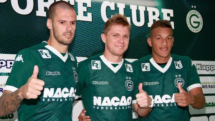 Fred, Rafael Forster e Wesley - Goiás (Foto: Rosiron Rodrigues / Goiás E.C.)