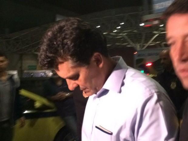 Ex-dono da Delta chegou ao aeroporto Tom Jobim por volta das 5h deste sábado (Foto: Fernanda Rouvenat / G1)