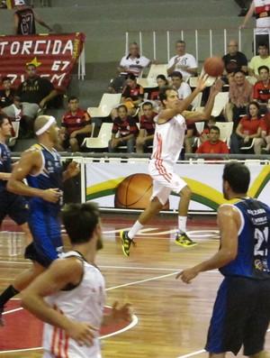 Marcelinho basquete Flamengo x São José (Foto: Fabio Leme)