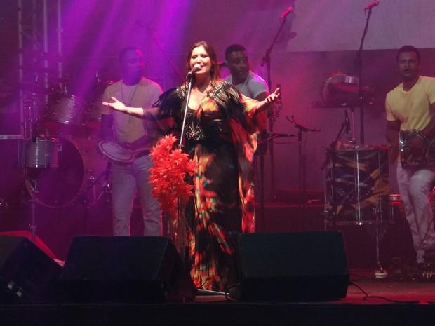 Wilma Araújo foi a segunda atração no Festival Maceió 200 anos de Verão  (Foto: Michelle Farias/G1)