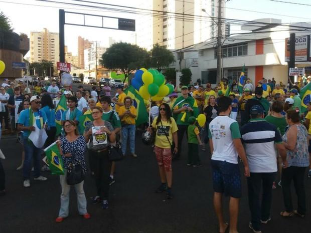 Ponto de encontro do protesto em Campo Grande foi o Obelisco (Foto: Ronie Cruz/G1 MS)