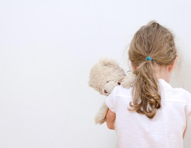 Criança de costas. Foto ilustrativa (Foto: Thinkstock)
