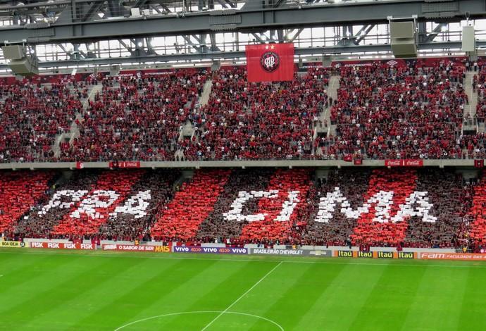 A força do Atlético Paranaense na Arena da Baixada