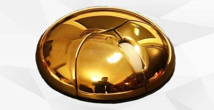 Mouse em formato circular é feito de ouro maciço (Foto: Divulgação)