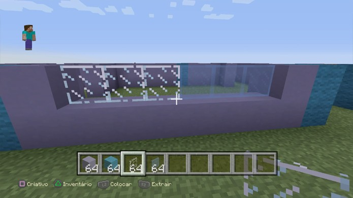 Você pode utilizar vidro incolor ou cristais coloridos para fazer as janelas da sua casa em Minecraft (Foto: Reprodução/Rafael Monteiro)