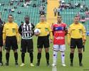 Primeira vez titular, Zé Roberto vibra com vitória que dá moral aos jovens