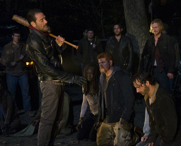 Uma das cenas finais da 6ª temporada de 'The Walking Dead' (Foto: Reprodução)